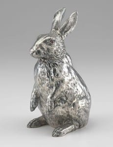 item6.rendition.slideshowVertical.hubert-le-gall-faberge-exhibit-07-silber-rabbit[1]